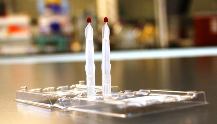 Neoteryx LLC, Torrance, Kalifornien. Das bahnbrechende Mitra-Microsampling-Blutprobenentnahmegerät gewinnt den R&D 100 Award